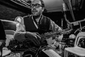 Matt Bauder teaches live online saxophone lessons at Lessonface