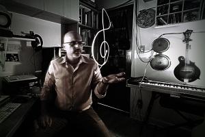 Rolando Gori in his studio