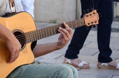 Guitar with sandals