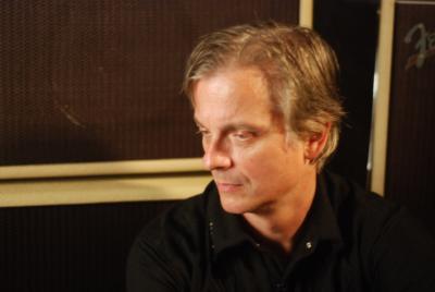 Duane Denison teaches at Lessonface.com