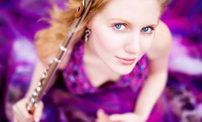 Kate Lemmon teaches live online flute lessons at Lessonface