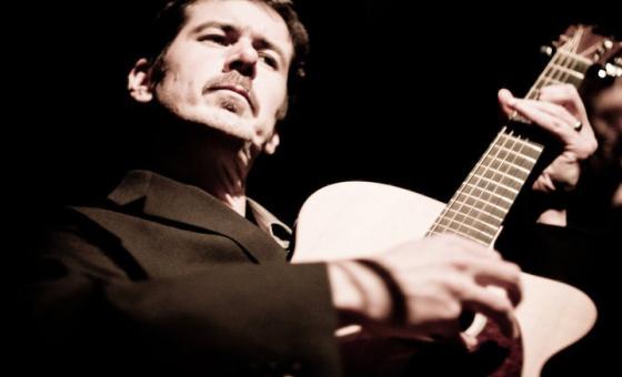 Dave Pedrick teaches live, online guitar lessons at Lessonface.com
