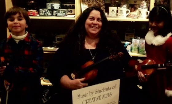 Laure Burgess teaches live online viola and violin lessons at Lessonface