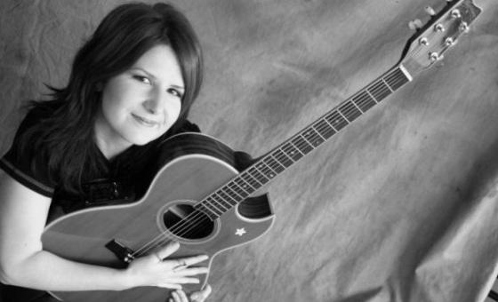 October Crifasi Online Guitar Teacher for Women and Girls